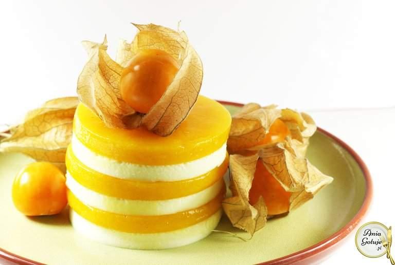 aksamitne-serniczki-z-musem-z-mango-1
