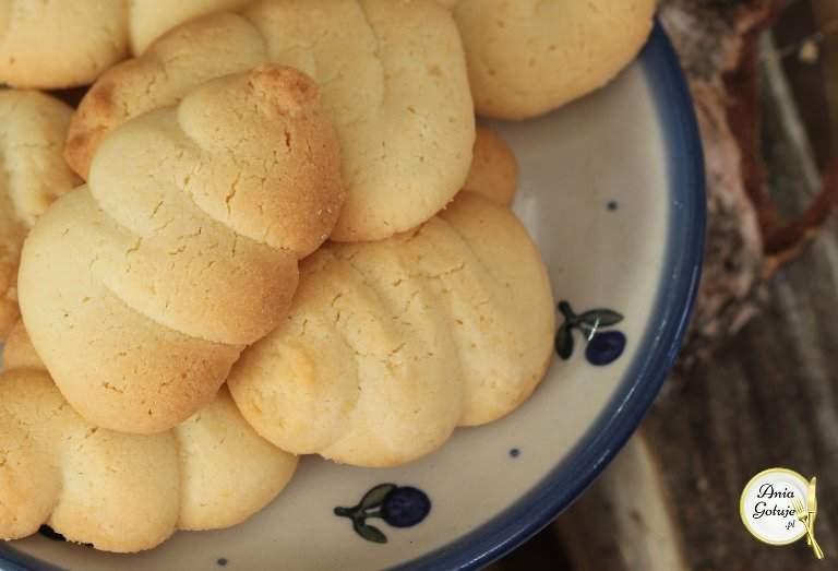 szybkie-kruche-ciasteczka-z-marmolada-lub-bez-2