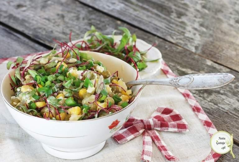 szybka-salatka-jajeczna-bez-gotowanych-warzyw-1