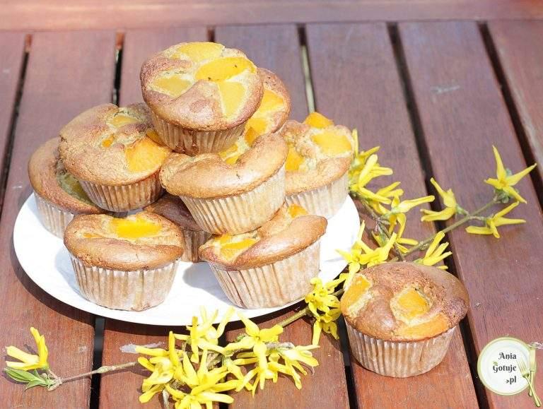 muffiny-bezglutenowe-z-brzoskwiniami-1