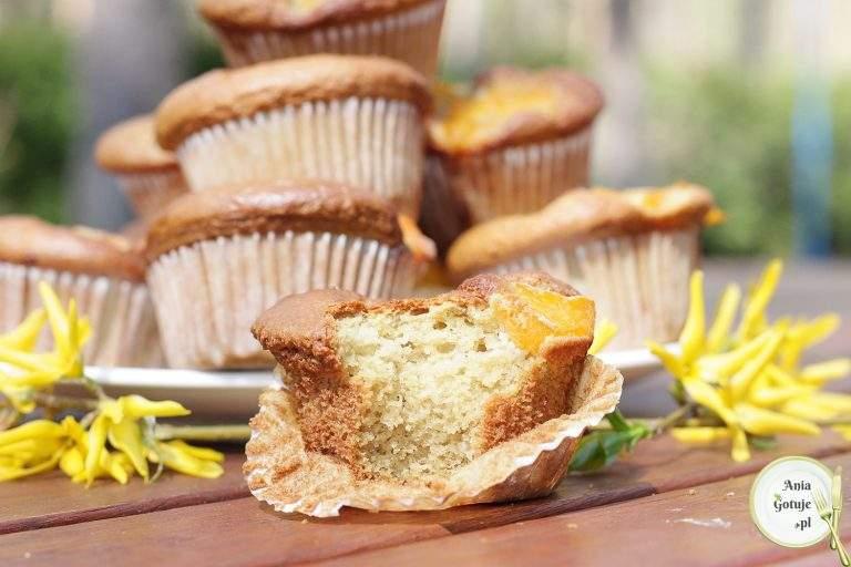 muffiny-bezglutenowe-z-brzoskwiniami-3