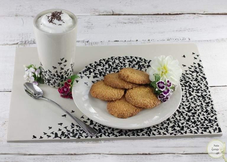 chrupiace-ciasteczka-z-platkow-jaglanych-i-kokosa-3