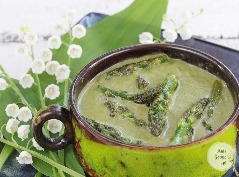 zielona-zupa-krem-ze-szparagow-cukinii-i-szpinaku-2
