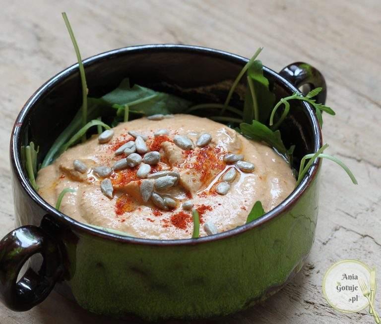 szybki-hummus-paprykowy-1