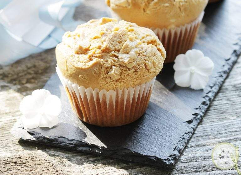 mleczne-muffiny-z-biala-czekolada-2