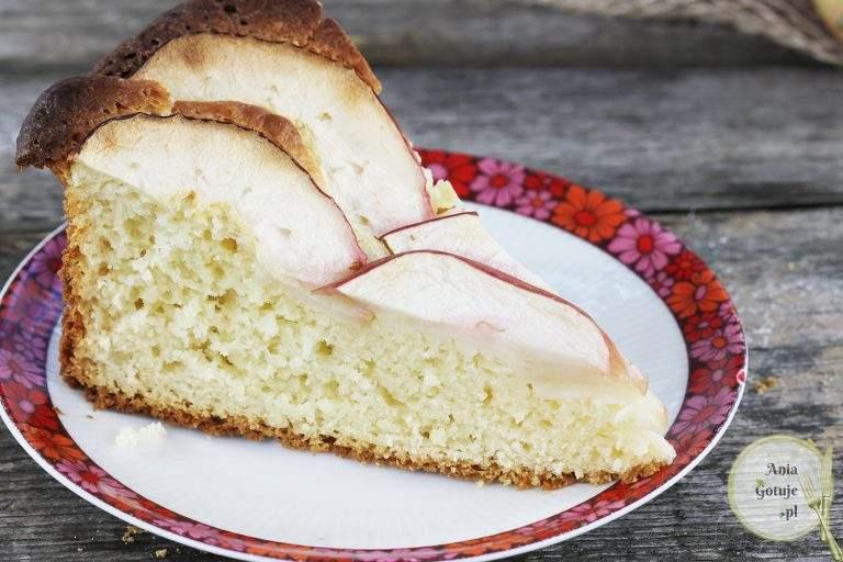 ciasto-drozdzowe-z-parasolka-z-jablka-4