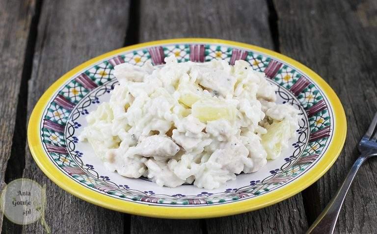 salatka-kolacyjna-z-kurczakiem-i-ananasem-2