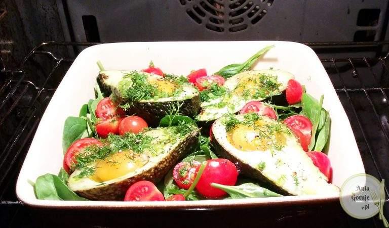 awokado-pieczone-z-jajkiem-1