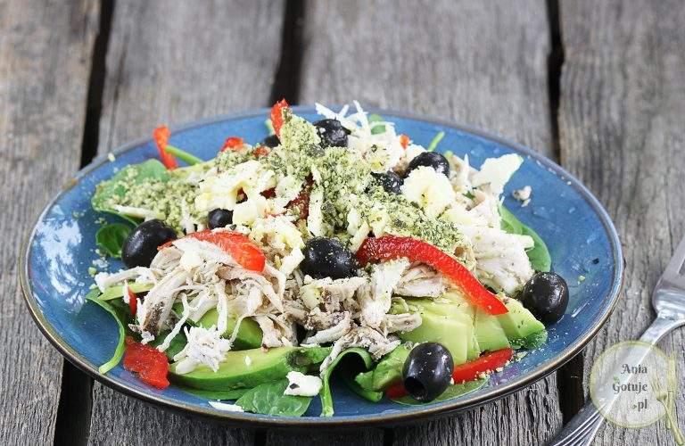 salatka-z-kurczakiem-szarpanym-1