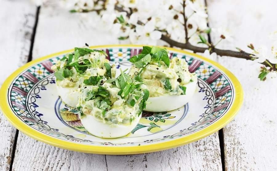 Jaja faszerowane awokado