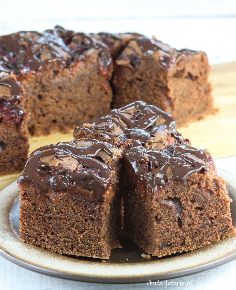 ciasto-czekoladowe-z-konfitura-ze-sliwek-1